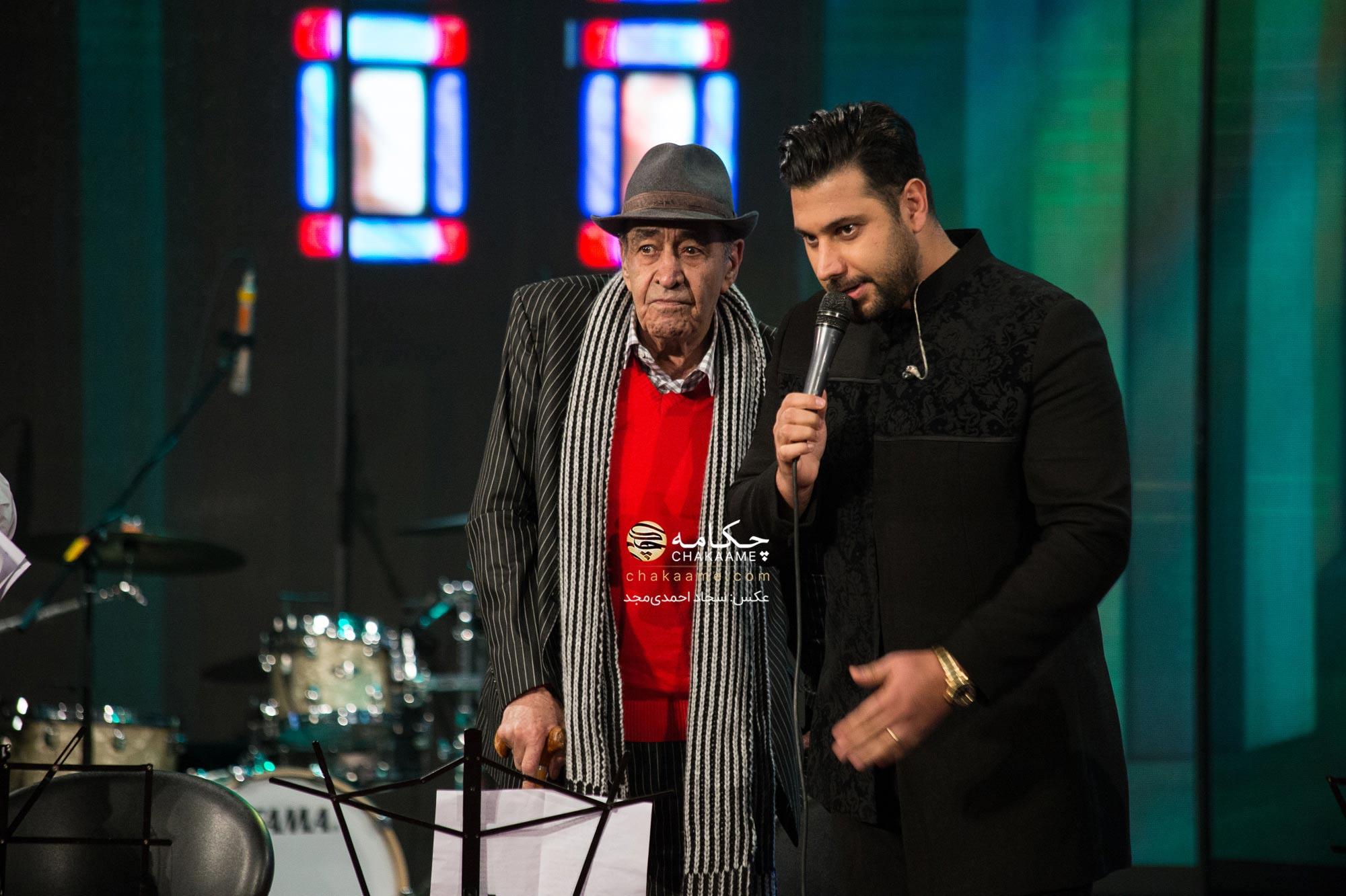 احسان خواجه امیری و تقدیر از ایرج در پنجمین جشن سالانه موسیقی ما